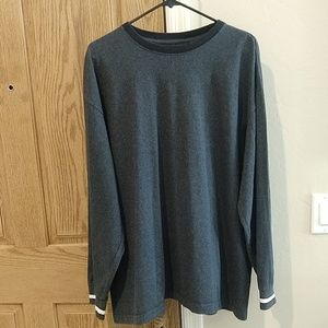 Cheetah, XL gray long sleeved shirt